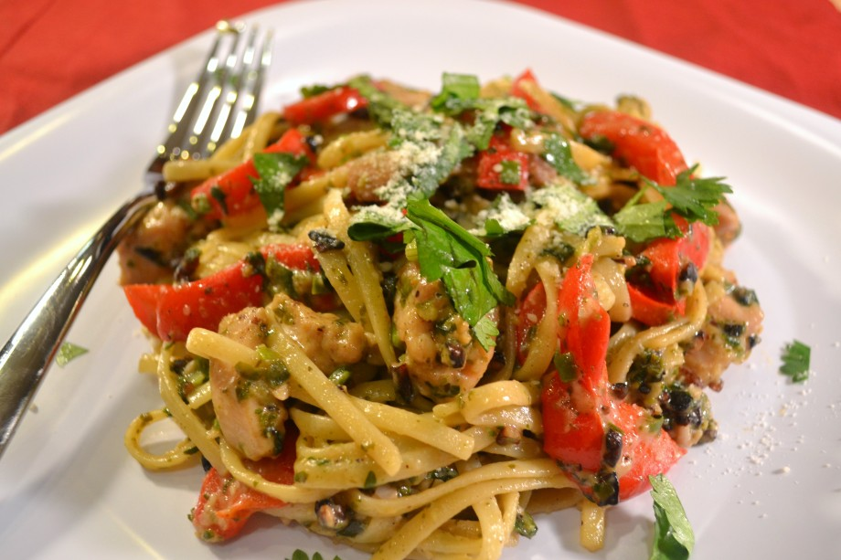 Linguine with Chicken and Spicy Pesto