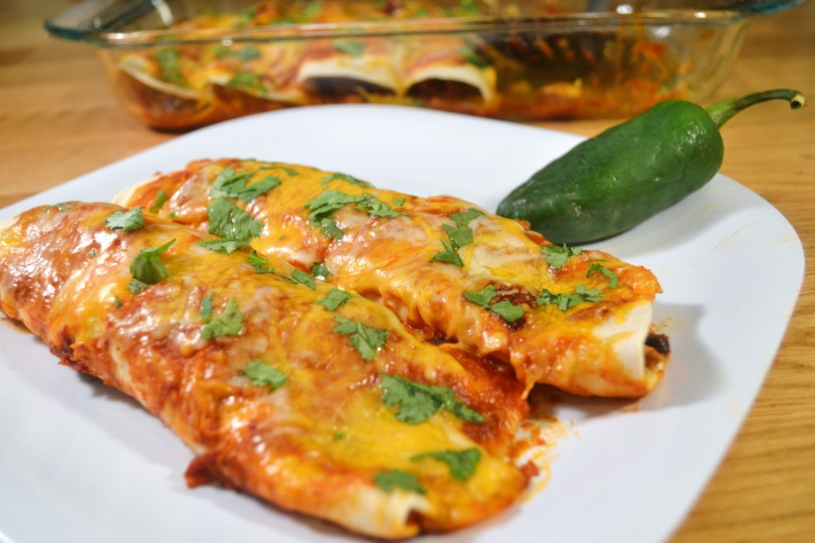 Turkey Black Bean Enchiladas (with cheeeeeese)
