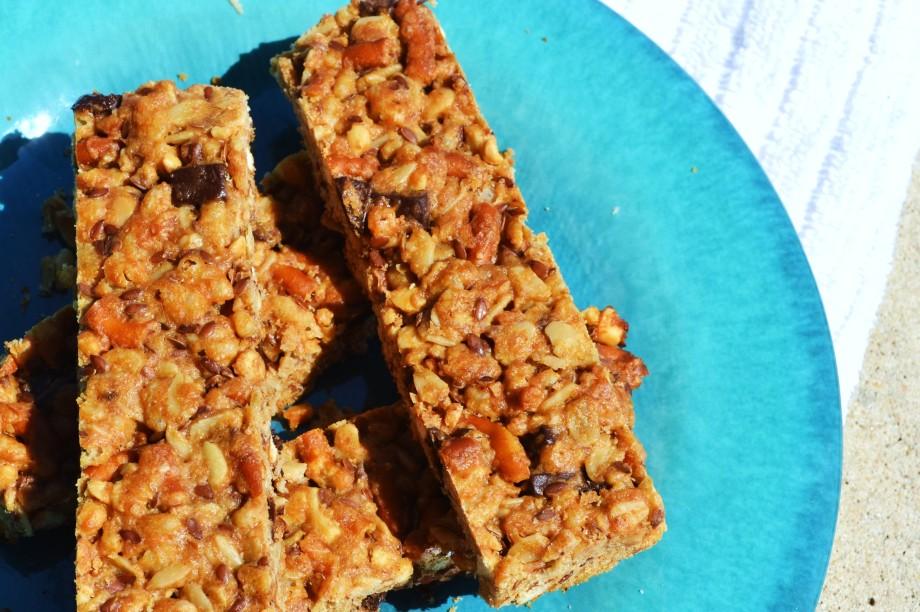 Peanut Butter Pretzel GranolaBars