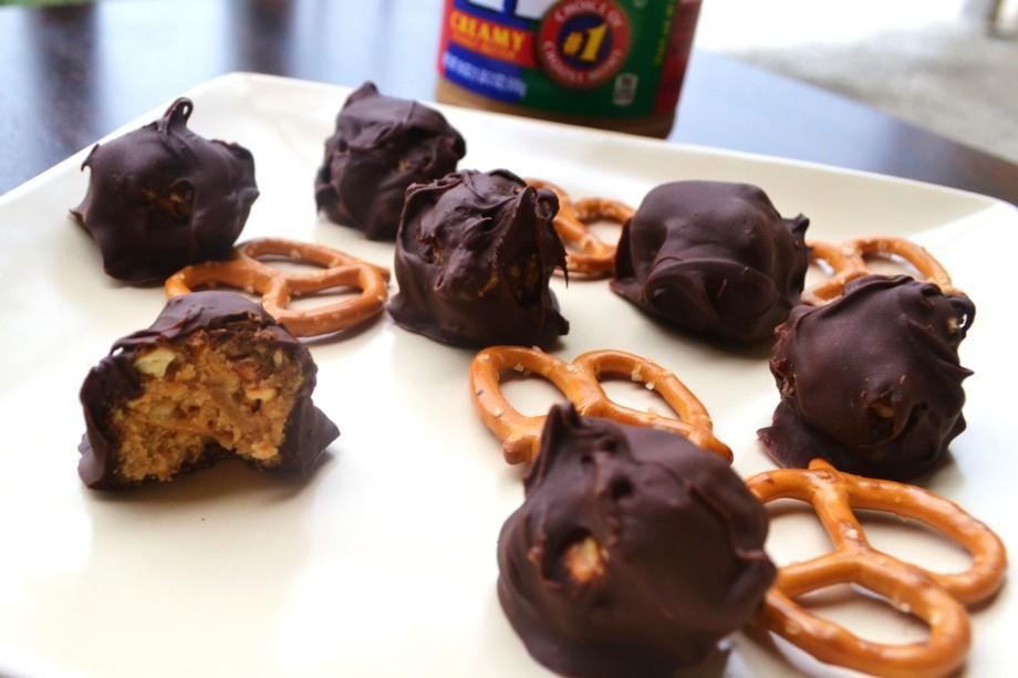 Easy Peanut Butter PretzelTruffles