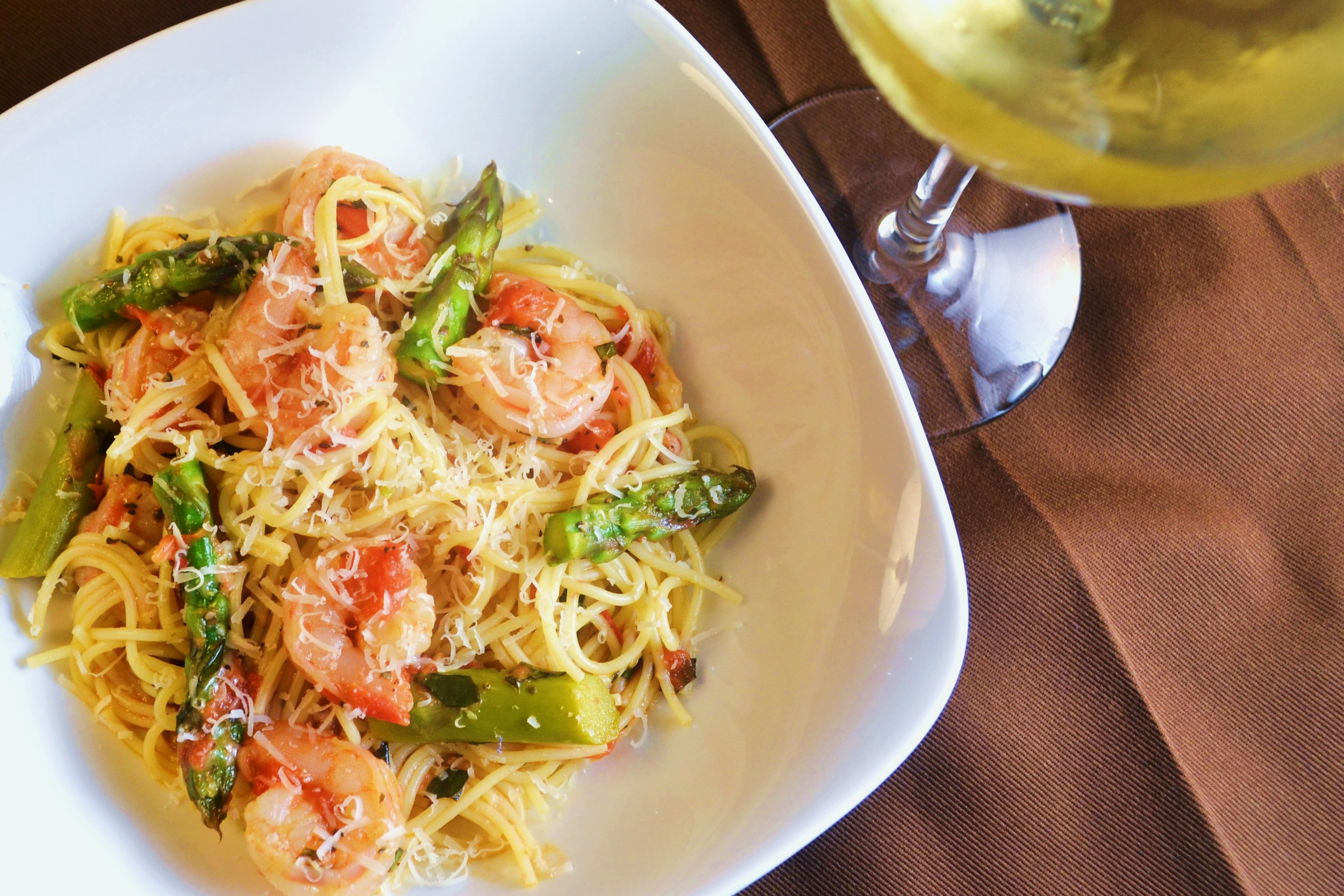 Angel Hair Pasta with Shrimp, Asparagus, and Basil | windykitchen