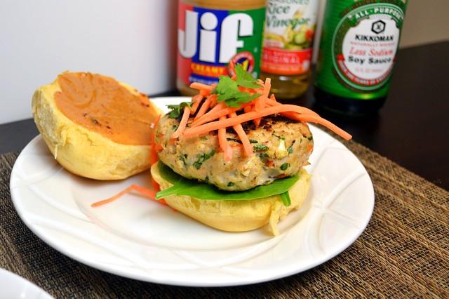 Thai Peanut Turkey Burgers | windykitchen