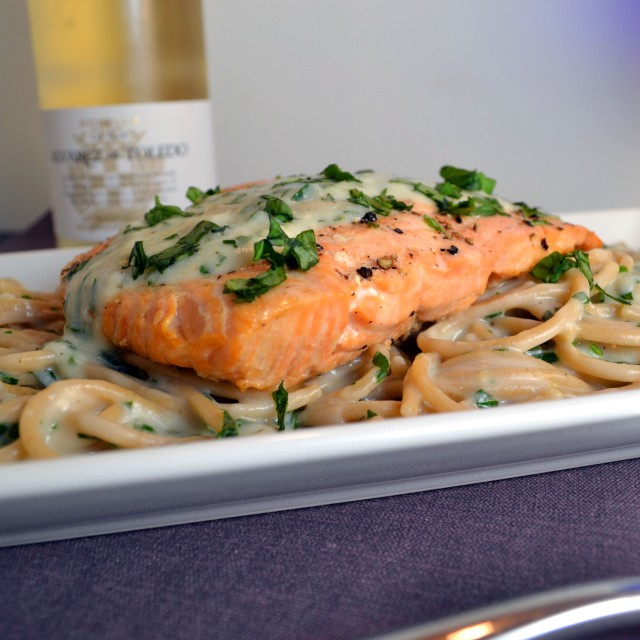 Crispy Salmon with Creamy Basil Noodles | windykitchen