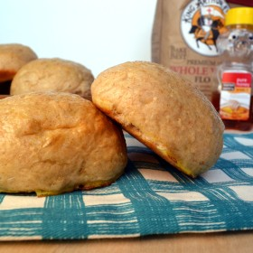 Homemade Honey Wheat Sandwich Buns | windykitchen