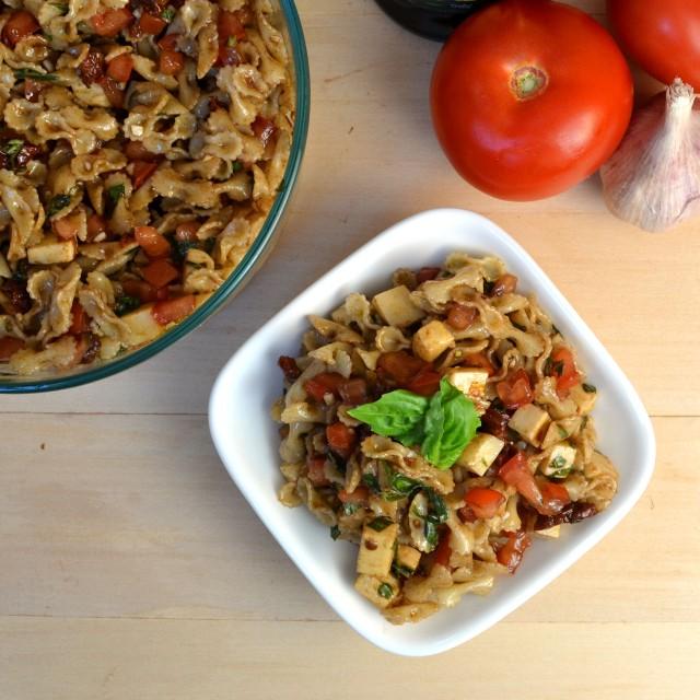 Bruschetta Caprese Pasta Salad | windykitchen