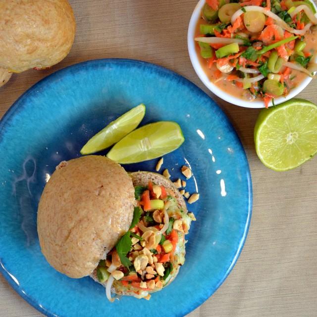 Pad Thai Shrimp Burgers | windykitchen
