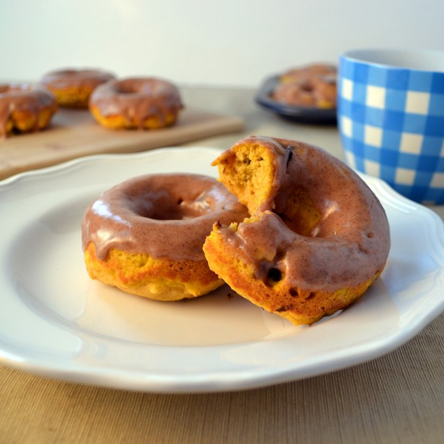 Pumpkin Chocolate Chip Donuts w Maple Glaze | windykitchen