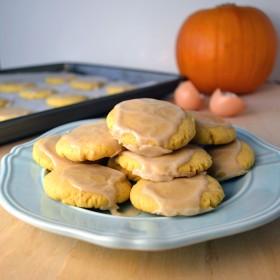 Soft Glazed Pumpkin Sugar Cookies   windykitchen