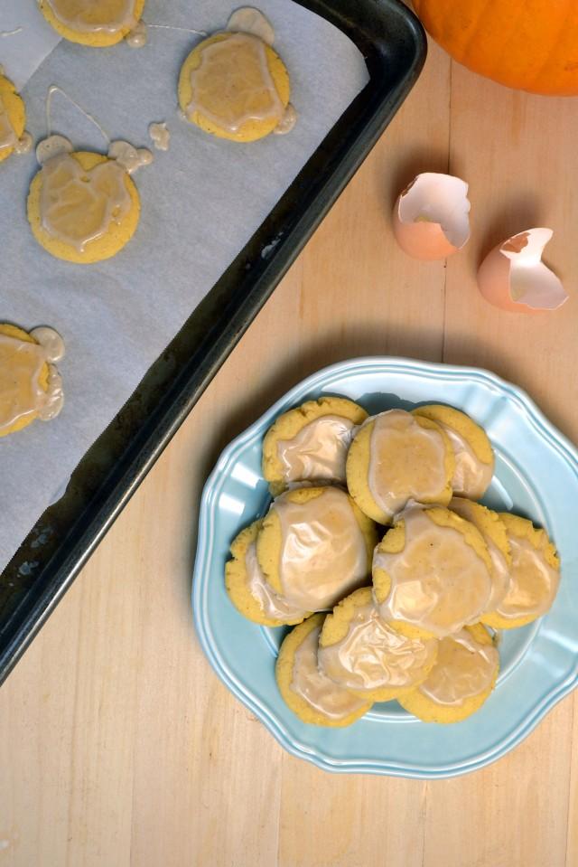 Soft Glazed Pumpkin Sugar Cookies | windykitchen