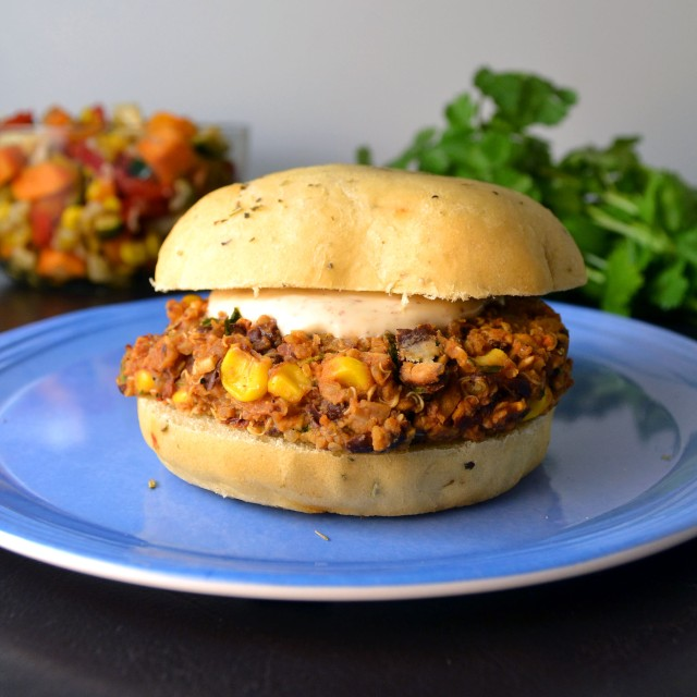 Black Bean Quinoa Veggie Burgers | windykitchen