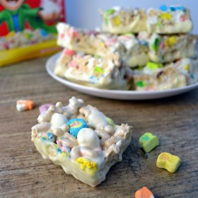 White Chocolate Lucky Charm Bars | windykitchen